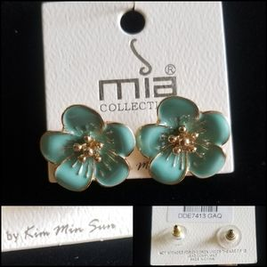MIA - Turquoise & Gold Tone Floral  Earrings